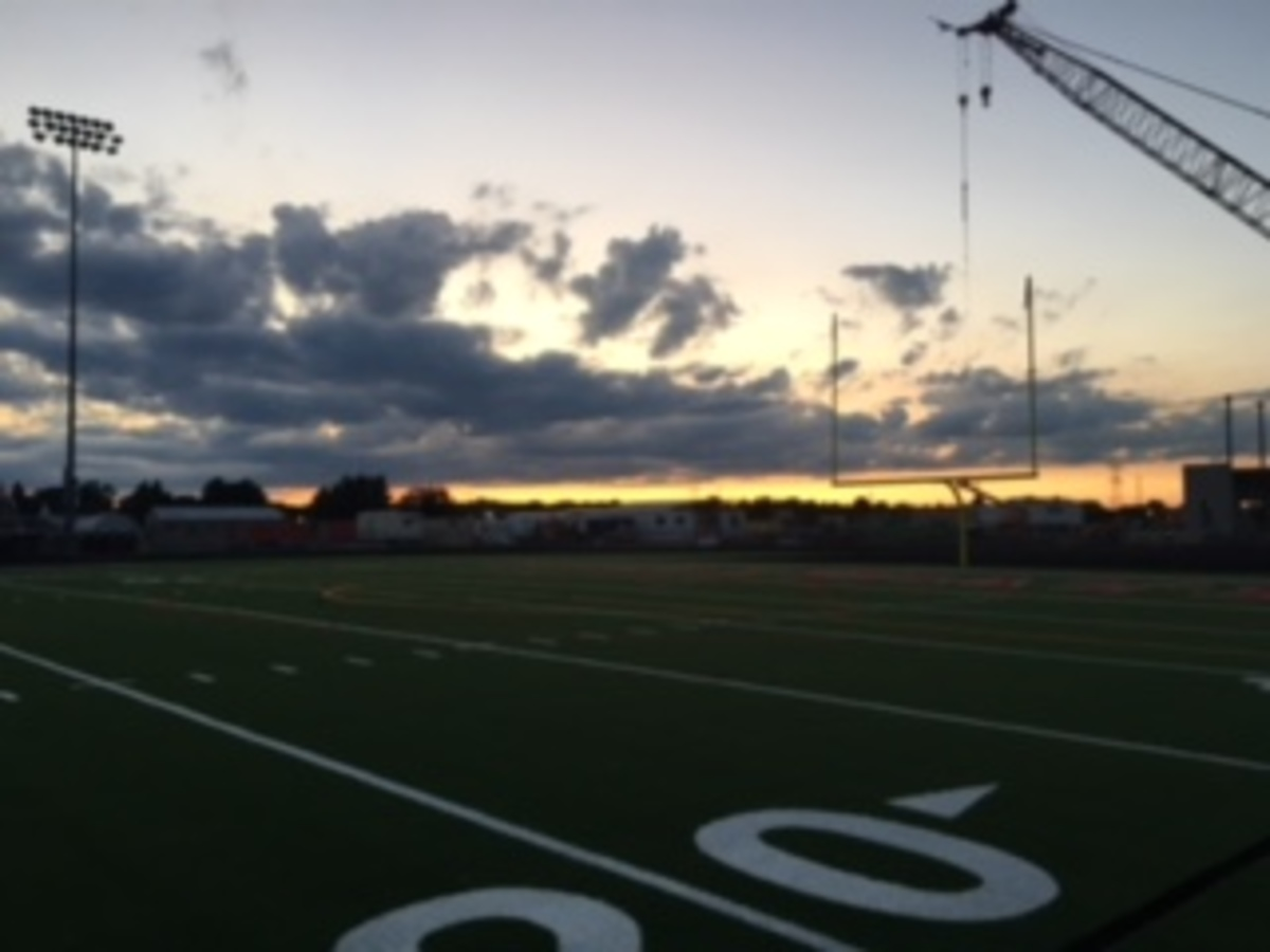 Teams play on new turf in Pony Stadium