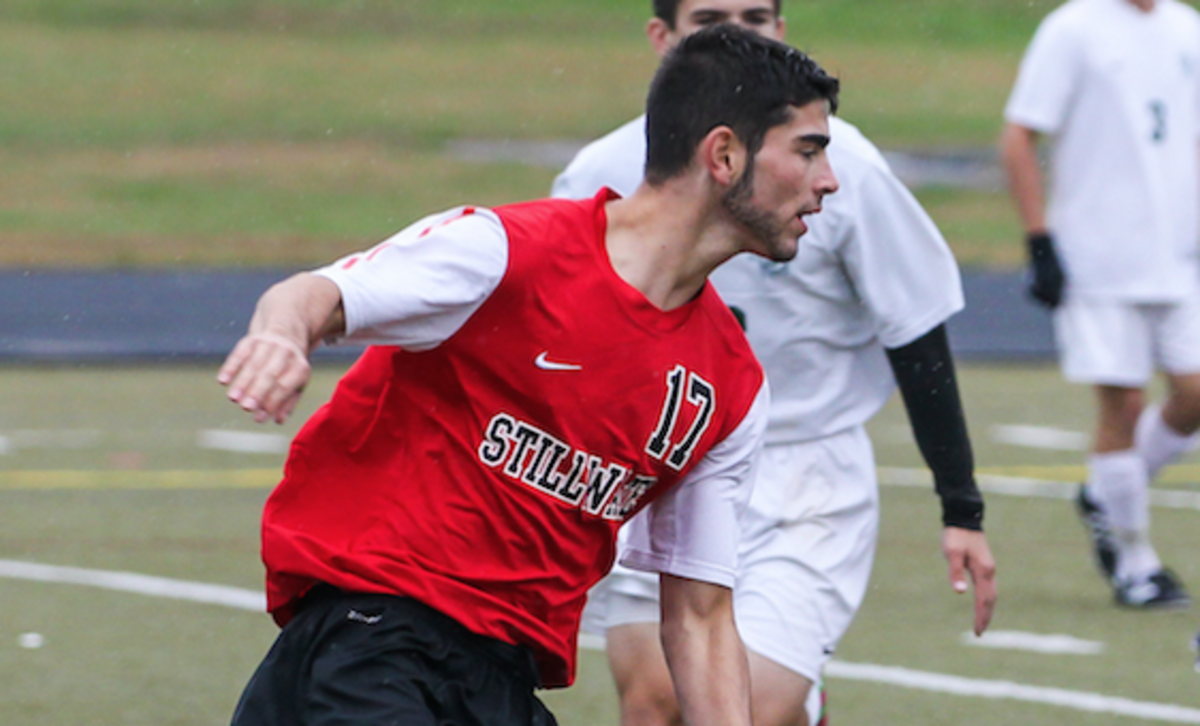 Villen helps lead soccer team to state
