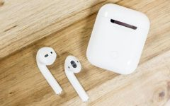Apple Air Pods become easy, lightweight alternative to earbuds