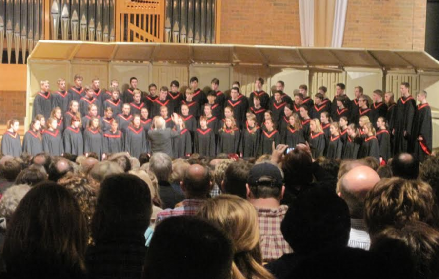 The Stillwater Choir department sang in their annual Fall Choral Festival at St. Andrews Lutheran Church on Sept. 29. The Festival was concluded with a mass choral performance of Trres Cantos Nativos with all the choirs singing together as one.