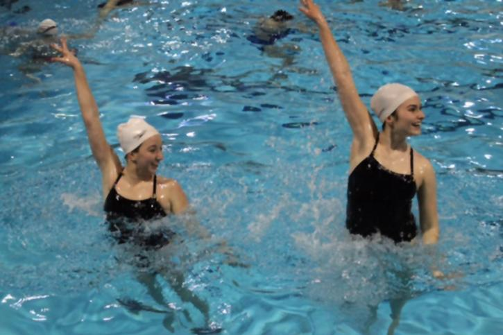 Synchronized swim focuses on teamwork