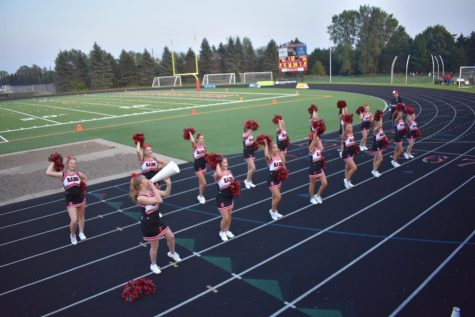 Cheerleaders return to sidelines with large team