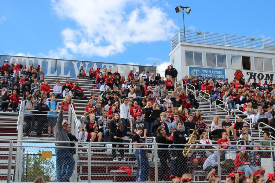 the crowed watching the 2018 pep fest with alot of gaps along the bleachers due to the lack of students at pepfest