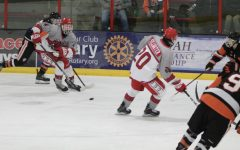 Boys varsity hockey team sticks to winning season