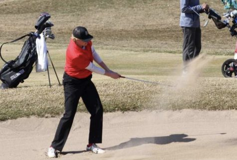 Girls golf tees off, eyes on State