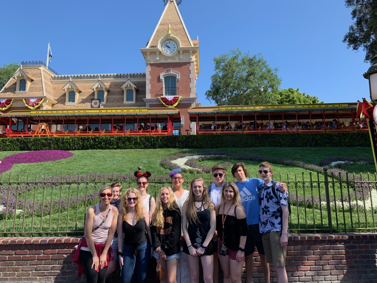 Spending+their+first+full+day+in+Anaheim+at+Disneyland%2C+Pony+Express+students+take+a+group+photo+before+their+13-hour+adventure.+