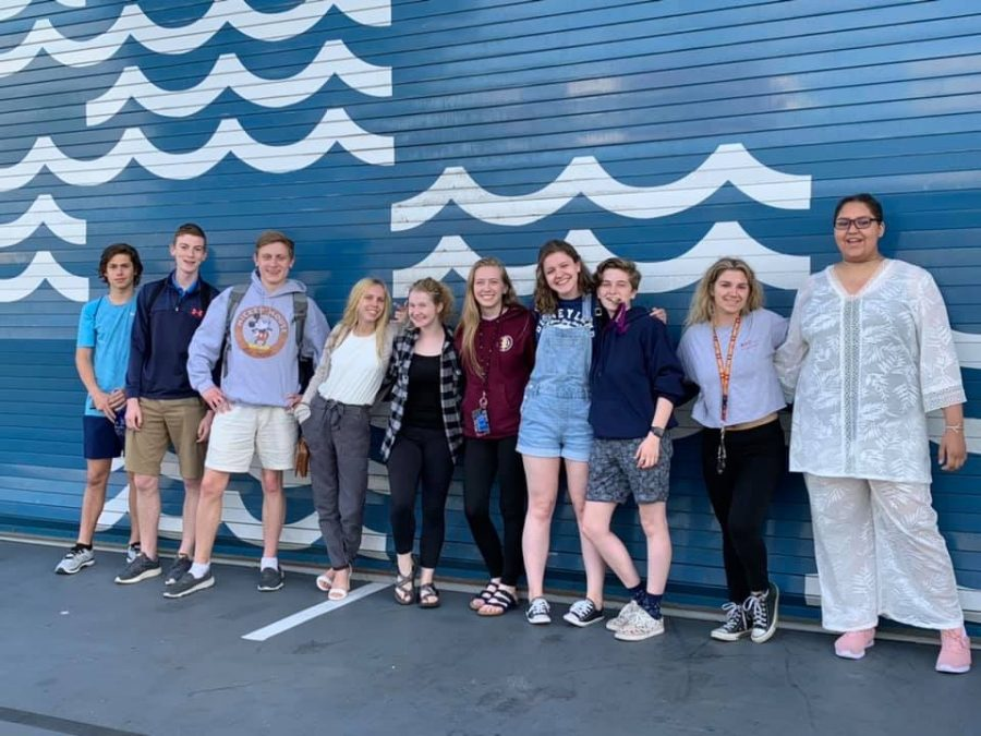 After+the+awards+ceremony+on+April+27%2C+Pony+Express+students+head+to+Huntington+Beach+to+watch+the+sunset+and+grab+a+group+dinner.+