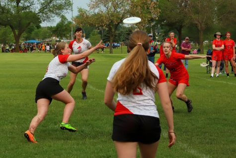 Junior Bijou Acers goes in for the catch in last year