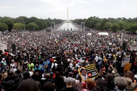 Supporters gather at Lincoln Memorial to demonstrate their unity to March on Washington on Aug. 28.